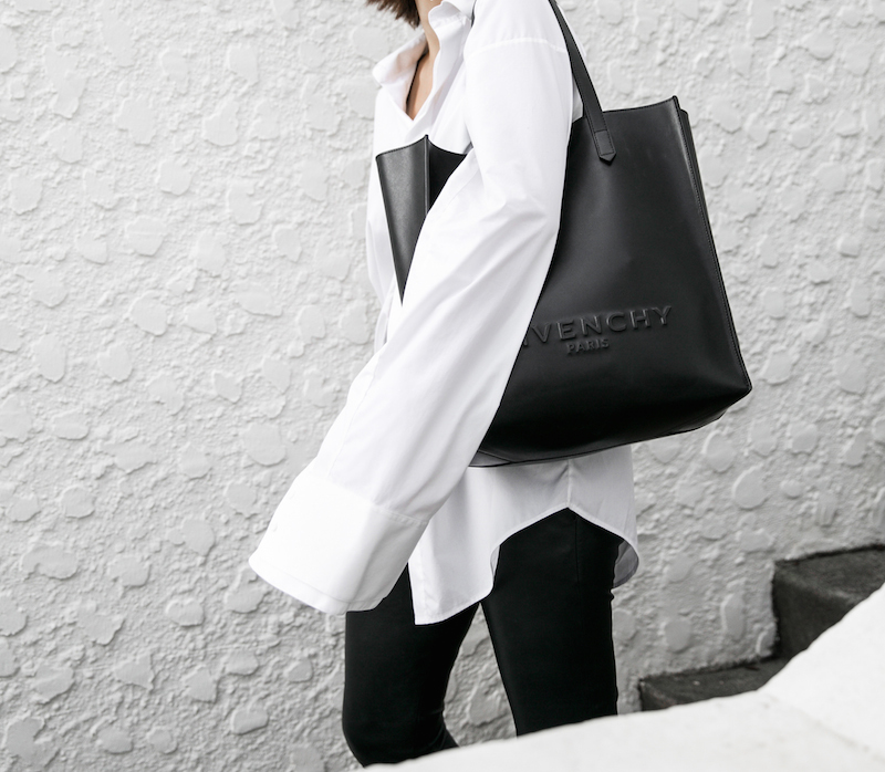 minimal monochrome fashion blogger bassike black leather pant givenchy logo tote stargate oversized white shirt blunt bob brunette Instagram (12 of 15)