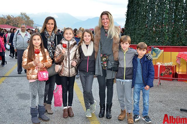 Trine Tot Katak, Pia Lorup ve çocukları oldukça keyifli bir pazar geçirdi.