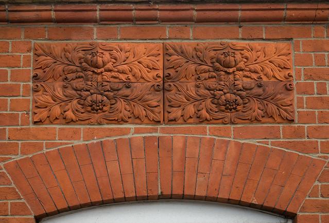 Gorgeous brickwork, Panasonic DMC-GF7, Lumix G Vario 12-32mm F3.5-5.6 Asph. Mega OIS