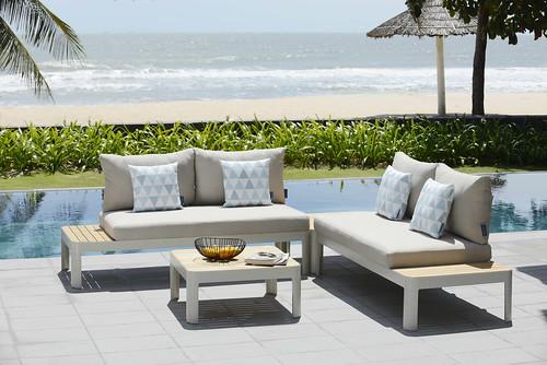 Portals 2 seater sofa, coffee square table 72x72cm, 32h, woph, wcsh DKEZ, w back csh DKEZ 8878, ALU CSN, TEA FSC (10)