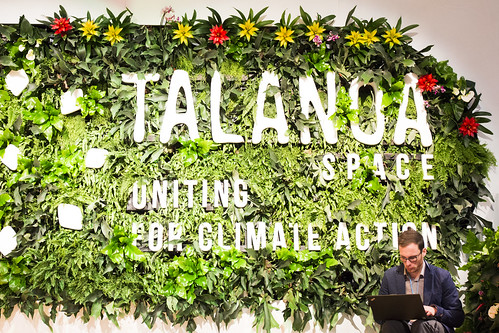 """""""Talanoa"""" ist ein Begriff der pazifischen Inseln, der sich auf das Erzählen von Geschichten, die Weitergabe von Ideen und das Gespräch zwischen Menschen bezieht"""