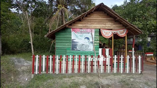 Pos TNI di Perbatasan Negara Indonesia - Malaysia di desa Temajuk, Kalimantan Barat