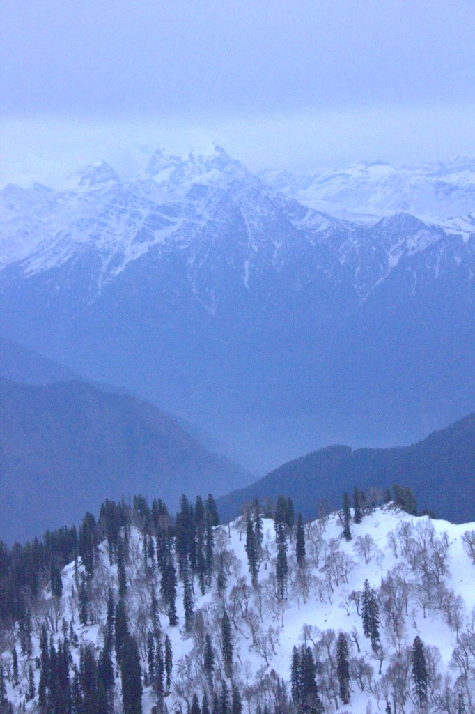 Peaks surrounding Gurez valley