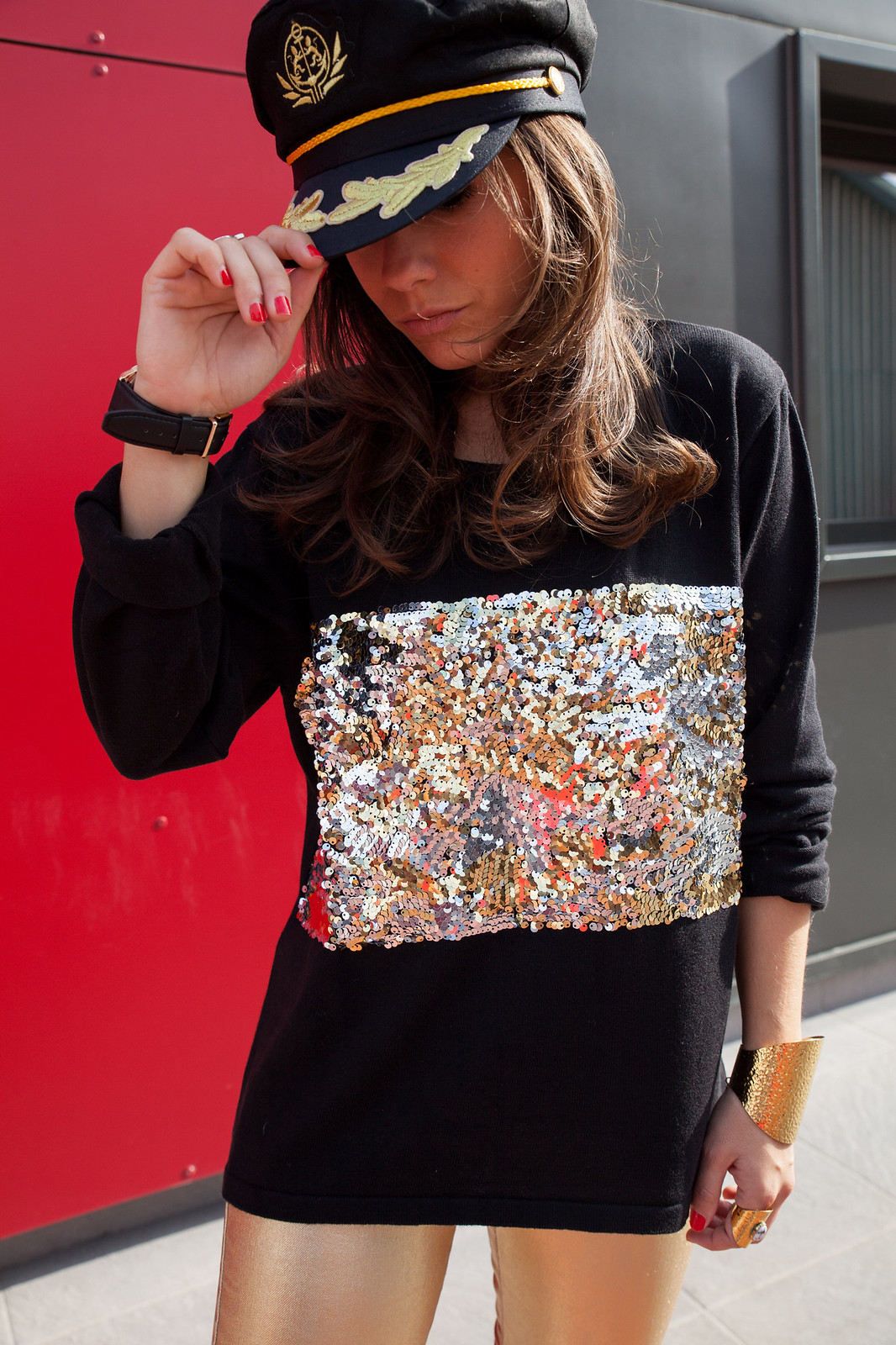 nyc hat theguestgirl laura santolaria influencer barcelona spain sequins look
