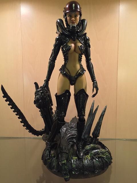 1/6 Alien Girl