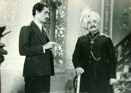 Master Mohammad (Right) & Azeem (Actor of 40s) in Flying Prince-1946