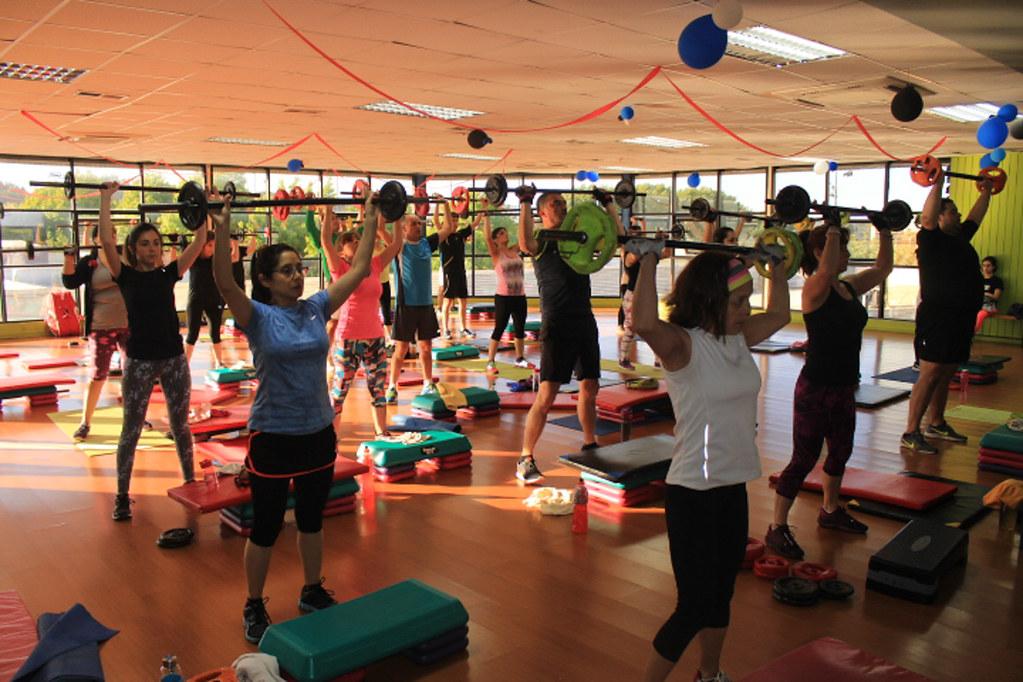 Body Pump: entrenamiento físico muscular mediante ejercicios de levantamiento de pesas