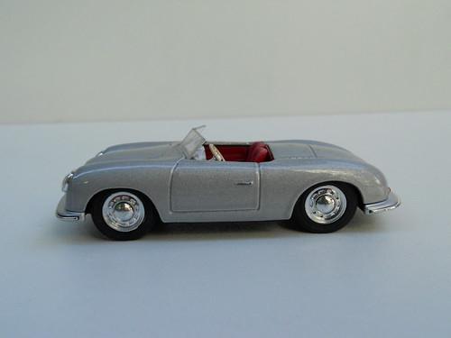 Porsche 356 Roadster (1948) – Cararama2