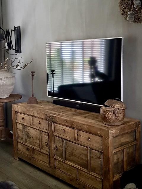 TV kast sober interieur