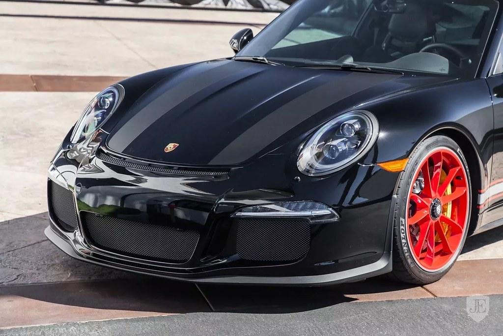 Porsche-911-R2