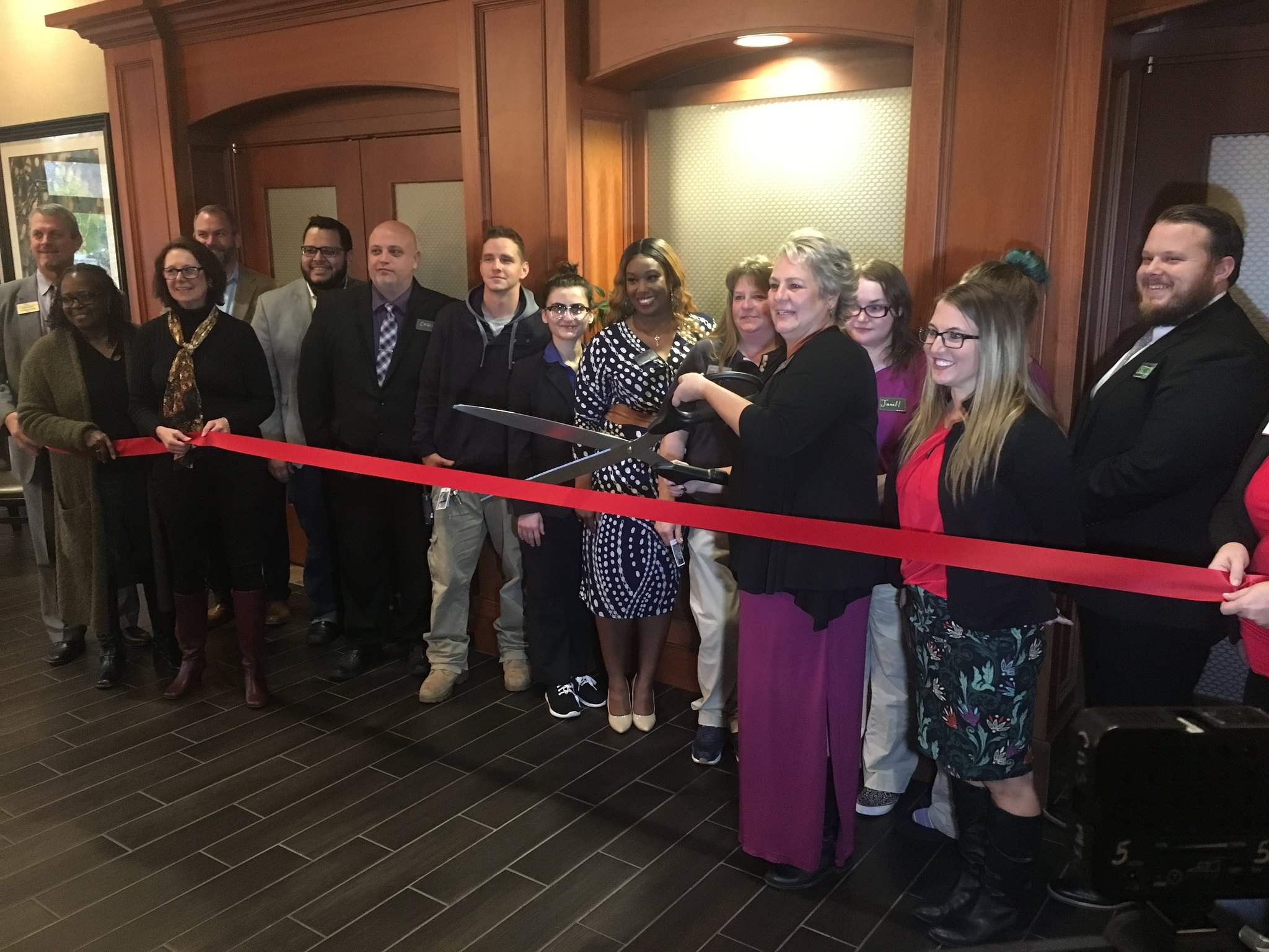 Hampton Inn Celebrates Remodel with Grand Re-Opening