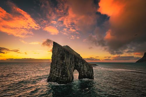 føroyar scandinavia faroeislands bøur fo arch atlantic sunset cliffs