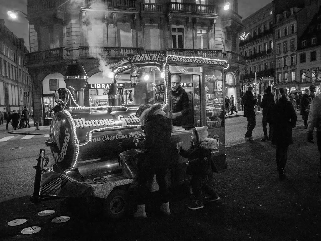 Marché de Noël de Strasbourg 27029740609_377d77f6d6_b