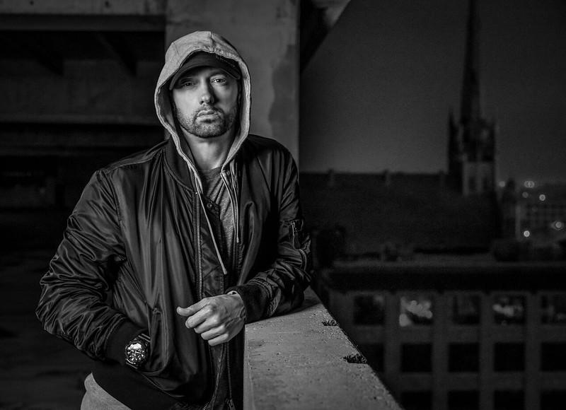 Eminem Kembali Mengegarkan Pentas Mtv Ema