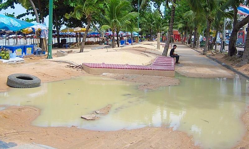 Tropical storm floods Pattaya