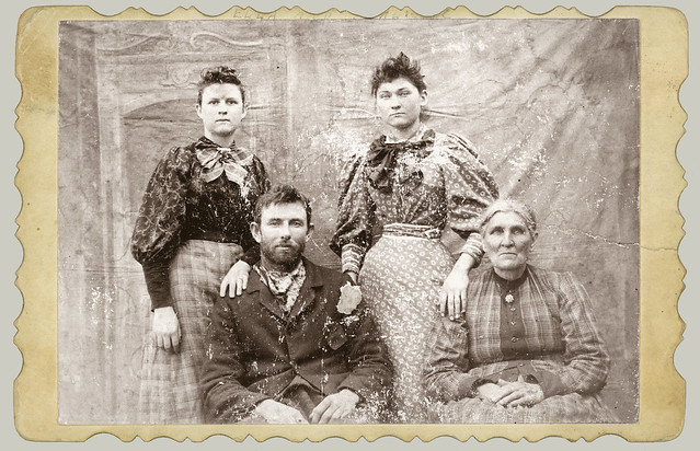 Cabinet Card group