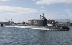 USS Illinois (SSN 786) arrives at Joint Base Pearl Harbor-Hickam, after completing a change of homeport from Groton, Connecticut, Nov. 22. (U.S. Navy/MC2 Shaun Griffin)