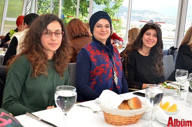 Şeker Eczanesi sahibi Nilgün Şeker Şevik, Sahil Eczanesi sahibi Ayşegül KUloğlu Köseoğlu, Gülhan Eczanesi sahibi Gülhan Saruhan
