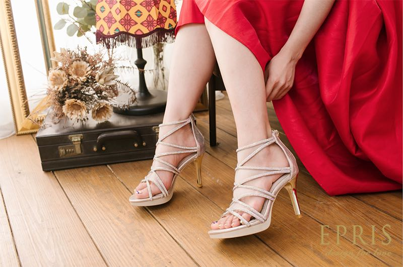 婚鞋顏色,結婚採購節,低跟婚鞋,婚鞋品牌推薦,婚宴穿搭女,手工婚鞋,晚宴鞋,低跟婚鞋艾佩絲EPRIS婚鞋
