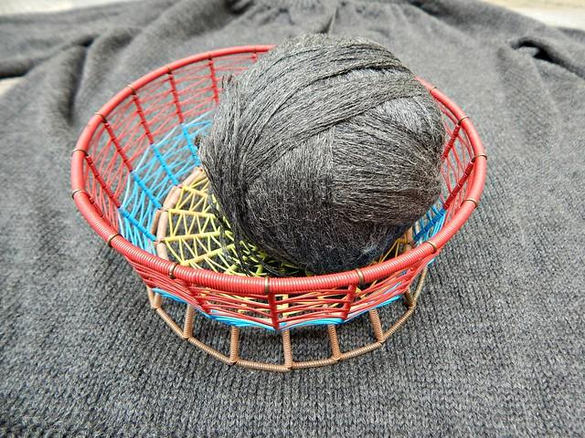 корзинка с клубком | basket with a ball of yarn