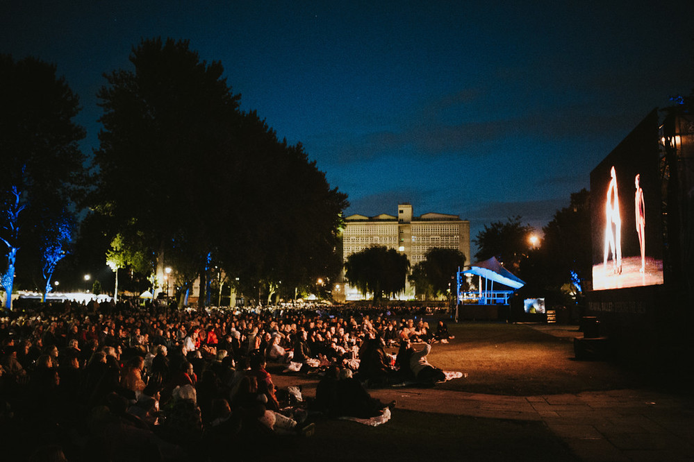 Royal Ballet Screening in Queens Gardens, Hull. Photo: © Tom Arran