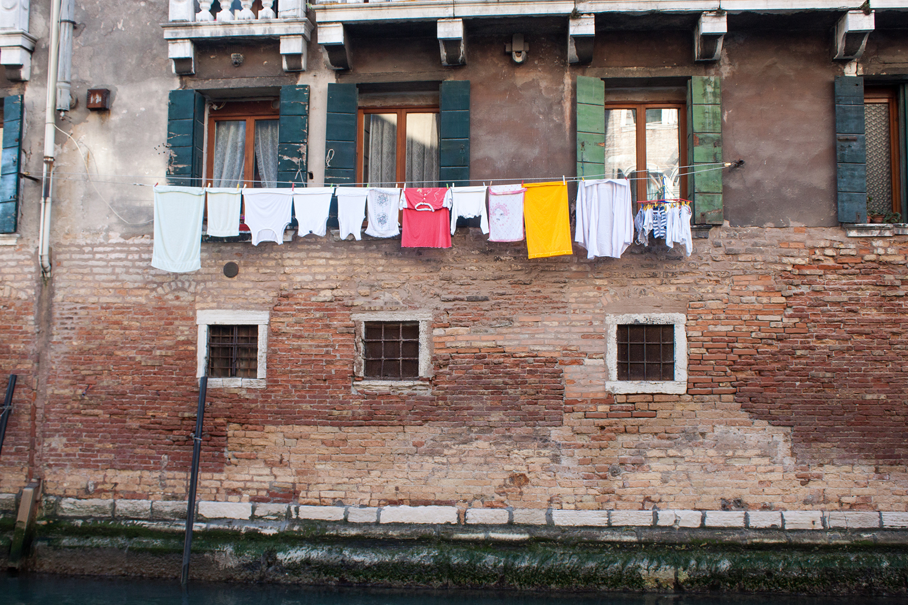 Streets of Venice, Washing Line | awaywithkatie.com