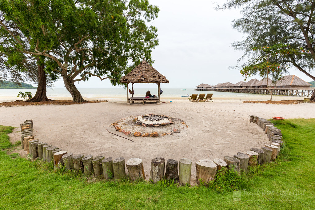 Bonfire area at the Telunas Beach Resort during the day