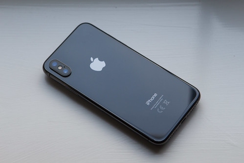 iPhone X - Rear