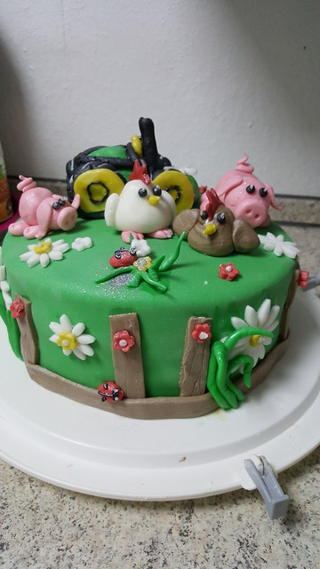 Cake by Jasmin Goncalves