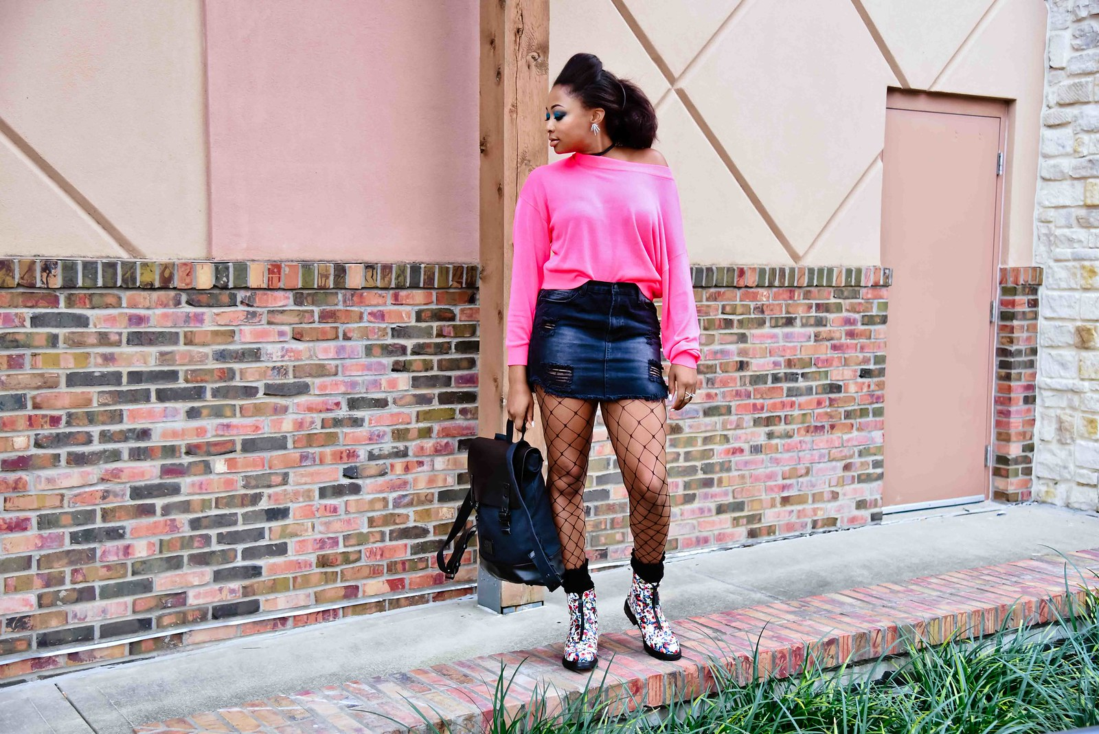 how to wear fishnet tights