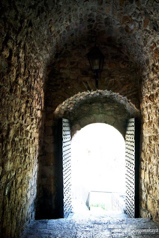 Вид из нижних ворот