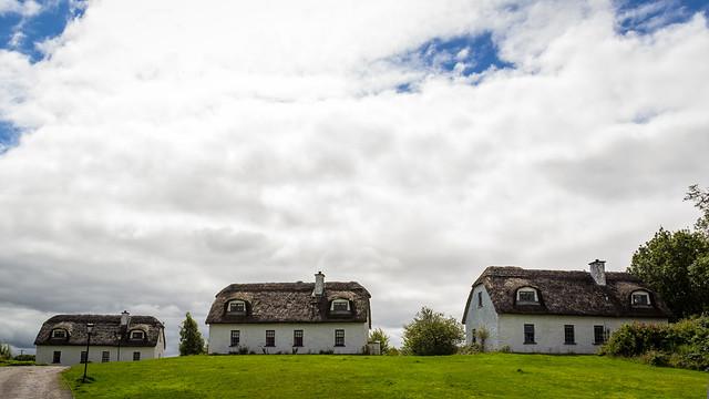 Ireland - Kinvara - 3 cottages
