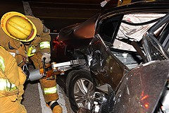 Auto into Pole in Mission Hills
