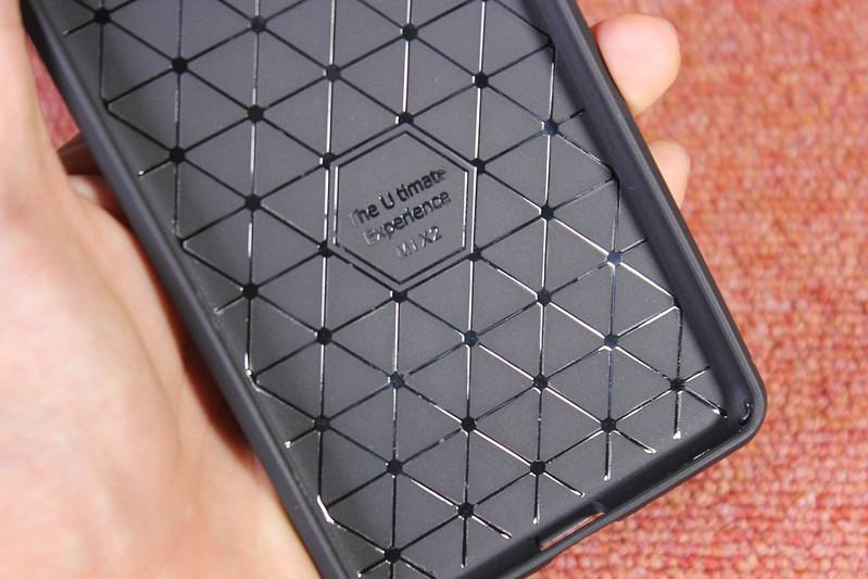 Xiaomi Mi Mix 2 の保護ガラスを貼る (11)