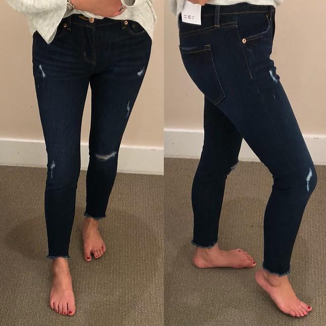 LOFT Modern Skinny Chewed Hem Jeans in Dark Indigo Wash, size 25/0P