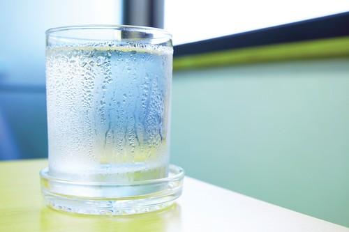 condensation_glass_1