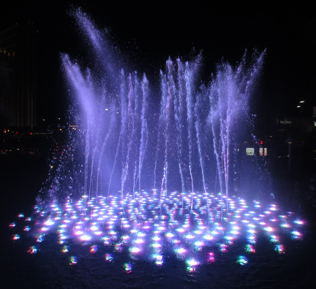 12-5_wynn_fountain