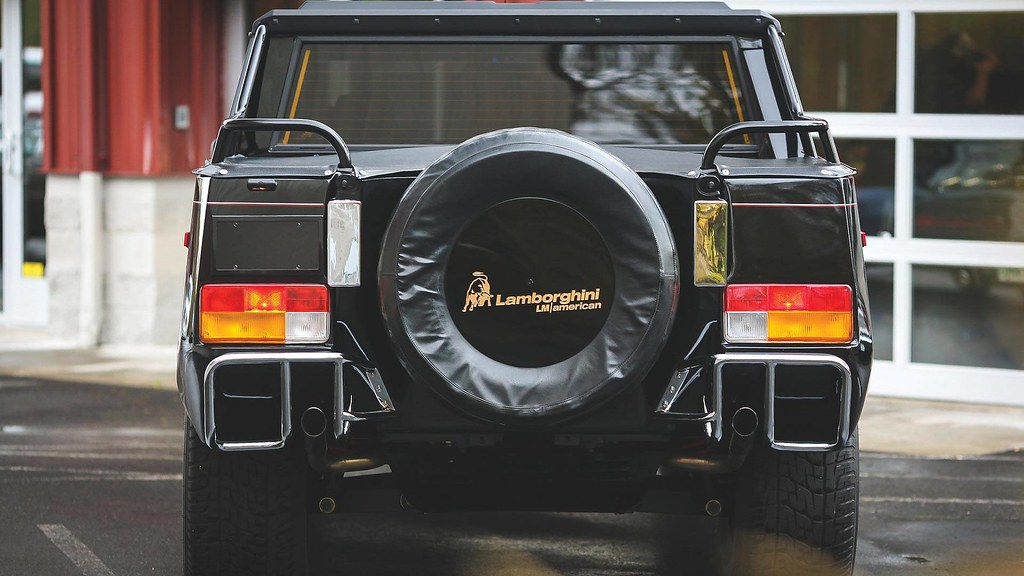 1990-lamborghini-lm002-auction2