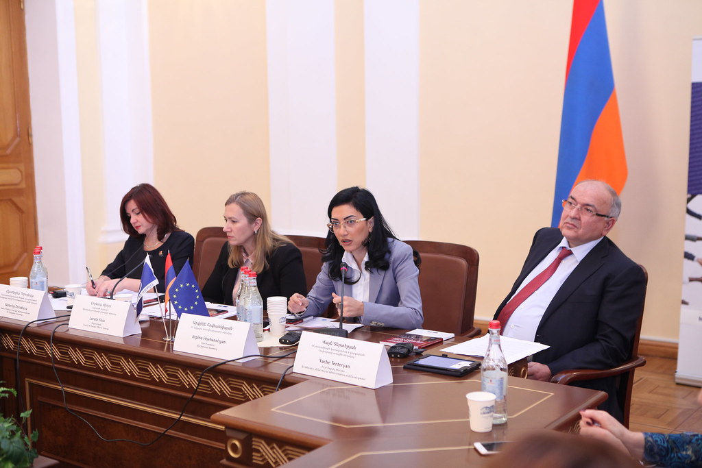 "ARMENIA: Round table ""Women's voice and leadership in politics: Armenian perspective""  Yerevan, 7 November 2017"