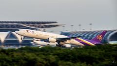 Thai Airways HS-TKC Boeing 777-300
