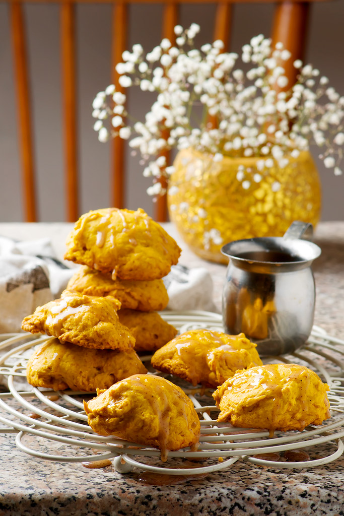 PUMPKIN COOKIES WITH CINNAMON GLAZE..style rustic