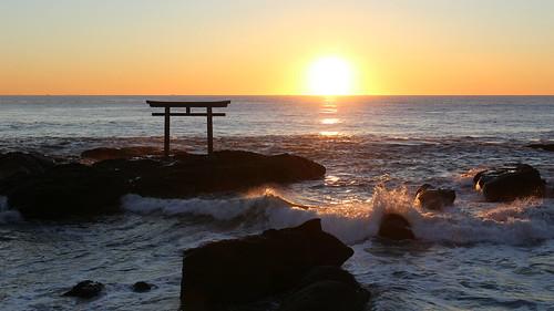 sunrise 日の出 神社 鳥居 大洗 磯前神社 shrine torii oarai