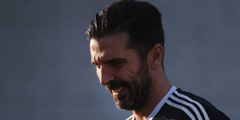 Gianluigi Buffon Memuji Napoli Jelang Laga Akhir Pekan