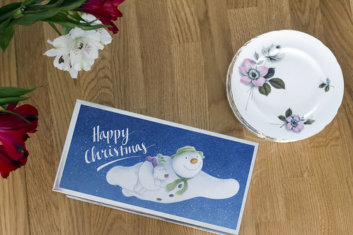 The Snowman Biscuiteers Tin