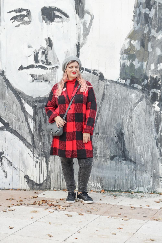 Outfit plus Kik, scozzese rosso e grigio (1)