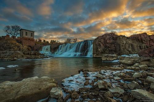 siouxfalls southdakota fallspark waterfall sunset aarongroen canon