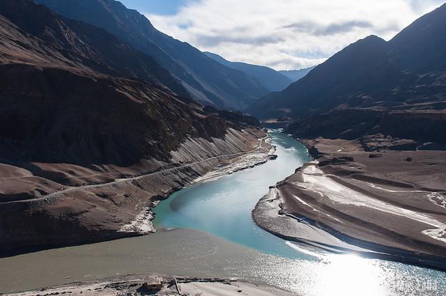 Confluéncia de los rios Indo y Zanskar