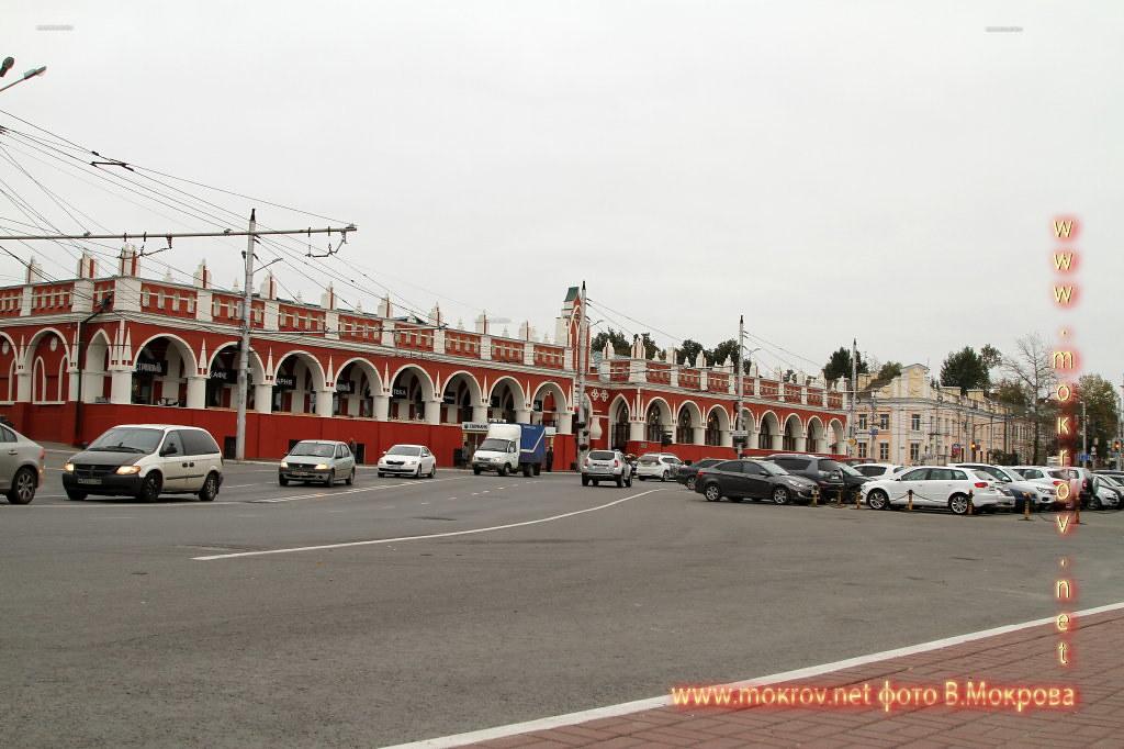 В центре Калуги  Гостиный двор - одна из главных достопримечательностей Калуги.
