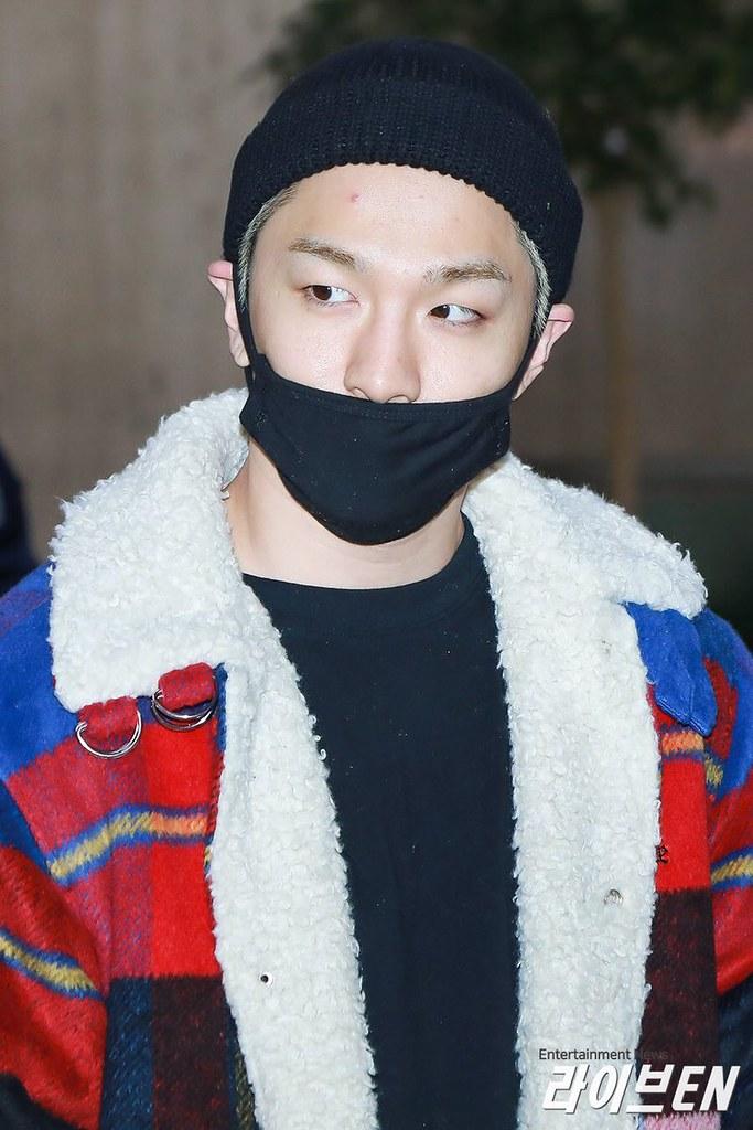 BIGBANG via yoooouBB - 2017-11-25 (details see below)