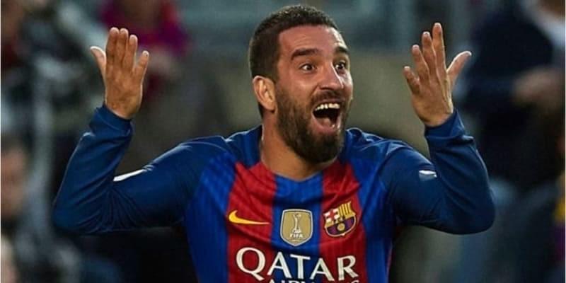 Barcelona Emosi Dengan Arda Turan